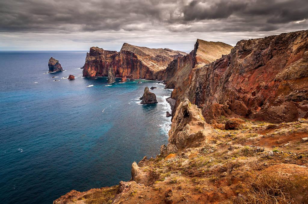 Mükemmel çok yönlü güzel bir manzara kayalık manzara bekaretini
